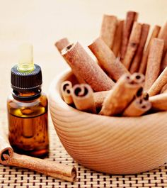 Understanding How To Lose Belly Fat by Using Cinnamon. How to lose belly fat and burn belly fat with cinnamon oil. The essential oils found in cinnamon make it a powerful anti-microbial agent. Frankincense Essential Oil Uses, Oregano Essential Oil, Thieves Essential Oil, Cinnamon Essential Oil, Essential Oils For Hair, Tea Tree Essential Oil, Lemon Essential Oils, Cinnamon Uses, Cinnamon Drink