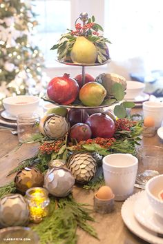 I am so lucky that this year Birch Lane invited me to design my table with their gorgeous place settings. Birch Lane is a new home furnishings line with fresh and traditional pieces at great prices.