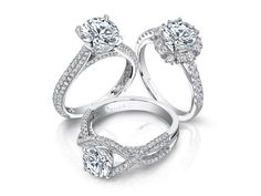 ♥ TIMELESS STYLE ♥  53% of #brides want a round #engagementring --proving most love a traditionally classic look! Do you prefer a round #diamond?