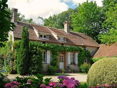 11 Stunning Garden Houses to Rent For Your Next Vacation - Vacation Rentals - Country Living