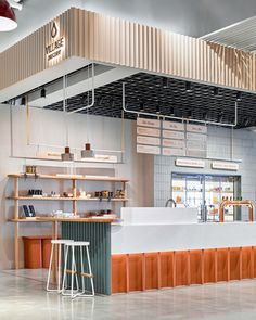 Village Juicery - Upper Canada Mall by Mason Studio Kiosk Design, Cafe Design, Design Design, Boutique Bio, Design Commercial, Café Bar, Counter Design, Retail Store Design, Coffee Shop Design