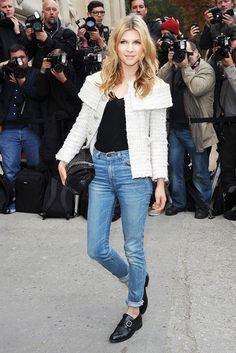 Clemence Poesy's boxy jacket, rolled-up jeans and boyish monk-straps combo will certainly make you think again.  | styloko.com