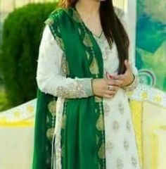 Fantastic Wedding Advice You Will Want To Share Girls Dress Pic, Baby Girl Dresses, Baby Dress, Pakistani Wedding Outfits, Pakistani Dresses, Beautiful Hijab, Beautiful Girl Image, Dps For Girls, Bridal Pictures