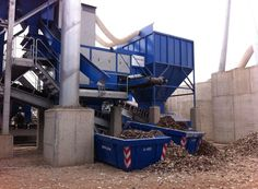 Windshifter has the capacity to recycle tons of waste. After the end of the day countless waste materials have been recycled while separating the heavy and the light materials.