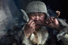 The staple foods eaten by the inland Chukchi areproducts of reindeerfarming: boiled venison,reindeer brains and bone marrow, andreindeerbloodsoup.  One traditional dish, rilkeil, is madefrom semi-digested moss from aslaughteredreindeer's stomach mixed with blood, fat, andpieces ofboiled reindeer intestine. CoastalChukchi cuisine is based on boiledwalrus, seal,whale meat/fat and seaweed. Both groups eatfrozen fishand edible leaves and roots.