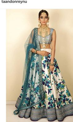 Not soo much wow bt then also liked it Indian Wedding Outfits, Indian Outfits, Bridal Outfits, Indian Skirt, Indian Dresses, Lehenga Designs, Saree Blouse Designs, Ethnic Outfits, Stylish Outfits