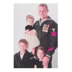 Daddy, Hayley, Caleb And Julianna. Copyright Julianna Grace/Acroanna - Pinterest