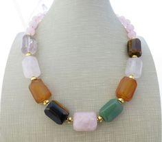 Collana con pietre di quarzo rosa, agata, avventurina verde, ametista, gioielli