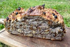 Perfect bread with hazelnuts and raisins