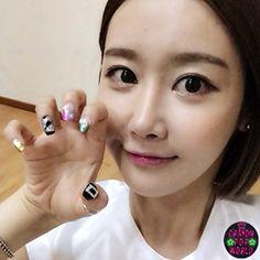 Crayon Pop Gummi's nails