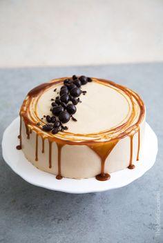 Caramel Coffee Banana Cake- The Little Epicurean - banana pudding Cupcakes, Cupcake Cakes, Rose Cupcake, Caramel Drip Cake, Caramel Banana Cake, Caramel Apples, Banana Coffee, Iced Coffee, Coffee Drinks