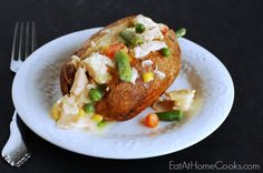Creamy Chicken and Vegetable Topped Baked Potatoes - Use a Costco rotisserie chicken to make the recipe easier. Creamy Chicken, Baked Chicken, Avocado Chicken, Turkey Chicken, Bbq Chicken, Buffalo Chicken, Easy Salad Recipes, Chicken Salad Recipes, Dinner Recipes