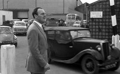 Morris 8 Series 1 - 4 seat tourer with the English comic actor Terry Thomas Terry Thomas, Civil Aviation, Gentleman Style, Vintage Cars, The Man, Planes, Personal Style, British, Comic