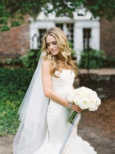 Elegant bride: Photography: Simply Sarah Photography - simplysarah.me   Read More on SMP: http://www.stylemepretty.com/2016/10/05//