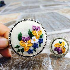 Sevgi ile işledim Embroidery Jewelry, Hand Embroidery, Embroidery Designs, Handmade Accessories, Coin Purse, Cross Stitch, Sewing, Instagram, Amazing