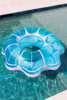 The JellyFish Pool Float is a cute way to stay a float this Summer! Cool Floaties, Water Floaties, Summer Pool, Beach Pool, Summer Fun, Inflatable Island, Giant Inflatable, Outdoor Beach Decor, Piscina Diy
