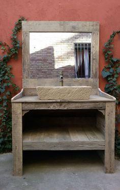 MUEBLE de BAÑO hecho con madera de palet reciclada con lavabo