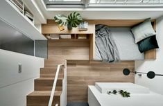 From the luxurious micro apartment to the flexible Tiny House: comfort on small living spaces thanks to high-quality materials and clever interior design. Small Space Living, Small Rooms, Small Spaces, Living Spaces, Loft Spaces, Storage Spaces, Mezzanine Bedroom, Microhouse, Small Tiny House