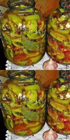 Нереально вкусные пряные соленые помидоры - супер закуска! Vegan Recipes, Cooking Recipes, Creative Food, Kimchi, Recipe Of The Day, Pickles, Zucchini, Meal Prep, Healthy Lifestyle