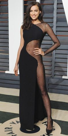 Irina Shayk in Atelier Versace at the 2015 Vanity Fair Oscar Party.