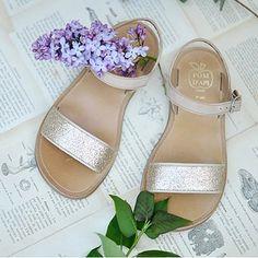 Glitter, cuoio, animalier...semplicemente stupendi i sandali Pom d'Api, anche baby. http://www.cocochic.it/it/19_pom-d-api