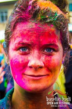 Vivid Colors of the Berlin Holi Festival - wave avenue