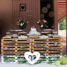 """""""Bom dia pra você que sente saudade das decorações que já fez na vida.  #casamento #miniwedding #pallet #casamentonocampo #casamentorusticoromantico…"""""""