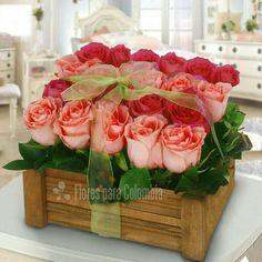 Flower Box Gift, Flower Boxes, Beautiful Flower Arrangements, Floral Arrangements, Ikebana, Beautiful Roses, Beautiful Flowers, Red Rose Pictures, Luxury Flowers