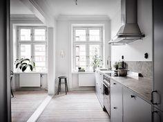 http://www.myscandinavianhome.com/2016/11/a-serene-swedish-home-in-soft-tones.html