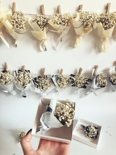 wedding gifts Lovely Mini bouquets with dry Gypsophila/ Babies Breath Bouquets Dried Flower Bouquet, Diy Bouquet, Dried Flowers, Paper Flowers, Wedding Gifts For Guests, Diy Wedding Favors, Wedding Decorations, Wedding Bouquets, Fleurs Diy