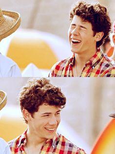 I frickin love his smile!!