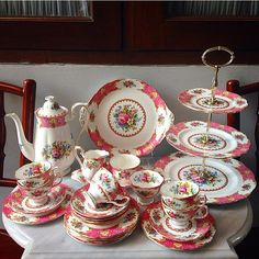 """Vintage Coffeeset by Royal Albert England """"Lady Carlyle"""""""