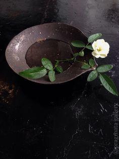 Low pitcher, 20cm ø, by Katsumi Machimura.  町村勝己さんの片口です。 #ceramics #japanese_pottery #gallery #Tokyo
