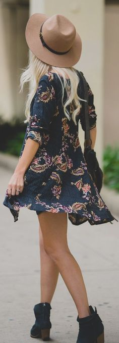 Pretty boho frock, stacked ankle boots & floppy wide brim. Spring perfection.