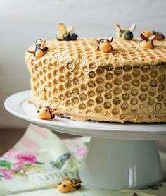Wow! This amazing honeycomb cake has 10 layers. Check out the recipe with photos. #bees #honey #delicious #recipes #cake #love