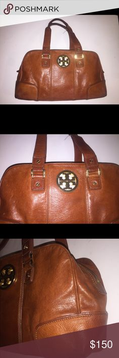 """Tory Burch Handbag Authentic. Genuine leather. In good condition. Leather and stitches on leather are good! Little leather fade on the corner bottom. This is a used bag with a good condition ! Light to carry and spacious! H8XL13""""XD4""""Strap drop 9"""". Tory Burch Bags Satchels"""