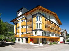 Sommer Salzburg, Hot Springs, Bad, Terrace, Explore, Mansions, House Styles, Balcony, Hotels
