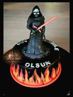 Kylo Ren - Star Wars Cake