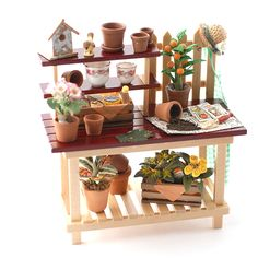 outdoors garden blooms lawns topiary flowers barbecue deck chairs conservatory Dollhouse miniatures dolls house accessories dining room Minimum World Miniature Rooms, Miniature Fairy Gardens, Dollhouse Dolls, Dollhouse Miniatures, Clay Fairies, Fairies Garden, Mini Doll House, Mini Greenhouse, Garden Items
