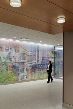 A contextual view of the environmental graphics created for the center. Photography by ©Jeffrey Totaro.
