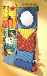 Organizador de tecido colorido.
