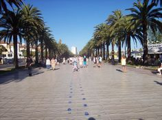 Salou, Spain What a wonderful promenade they have there Bright Side Of Life, Days Out, Us Travel, Places Ive Been, Places To Visit, Street View, Vacation, Beach, Water