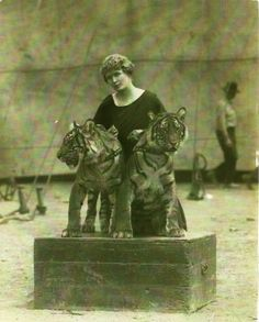 Mabel Stark on the Al G. Barnes Circus 1935.