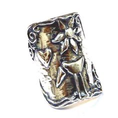 Sterling silver ring for woman , bohemian rings engraved with a naif drawing. by Bluenoemi on Etsy Sterling Silver Flowers, Sterling Silver Jewelry, Gold Jewellery Wallpaper, Mirror Jewelry Armoire, Bracelet Box, Bohemian Rings, Jewelry Shop, Jewelry Rings, Gold Jewelry