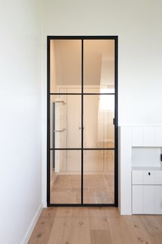 schlanke stahl glas t r doors in 2018 pinterest glas haus und t ren. Black Bedroom Furniture Sets. Home Design Ideas