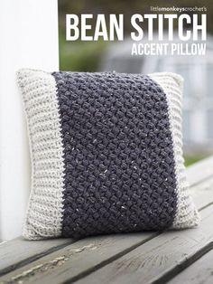 Bean Stitch Accent Pillow - Free Crochet Pattern by Little Monkeys Crochet. Crochet Home, Knit Or Crochet, Cute Crochet, Crochet Crafts, Crochet Stitches, Crochet Projects, Crochet Socks, Chunky Crochet, Beautiful Crochet