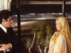 elliott Gould and Nina Van Pallandt in The Long Goodbye. Great Films, Good Movies, Nina Van Pallandt, The Long Goodbye, Raymond Chandler, Film Images, The Exorcist, The Last Picture Show, Cult Movies