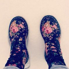 Flowers in the snow. #urbanoutfitters