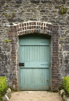 Gate to the victorian walled garden, Kylemore. To be completely honest, I'd love to have a door like this in my house...haha