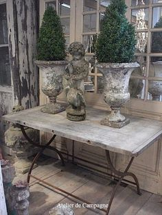 Urns by Cak
